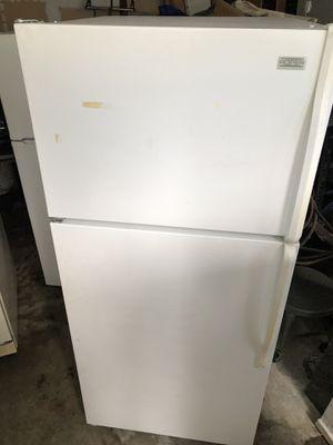 Roper by Whirlpool White 16.0 cu ft fridge/freezer for Sale in Bonney Lake, WA