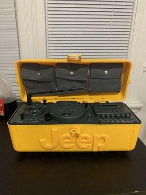 Telemanía 1995 yellow keep boom box / cassette/CD player in good working condition lost charger ! For the low! for Sale in Clifton, NJ