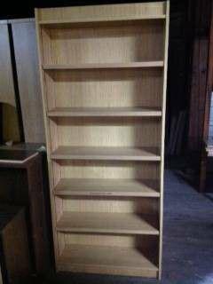 7 foot bookshelve for Sale in Rensselaer, NY