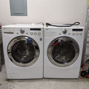 LG Front Load Washer And Electric Dryer for Sale in Pearland, TX