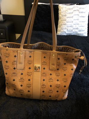 MCM tote bag — GREAT condition for Sale in Flowery Branch, GA