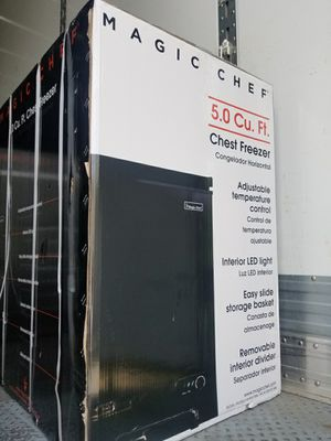 Magic Chef Chest Deep Freezer 5.0 Cu. Ft. Black for Sale in Stone Mountain, GA