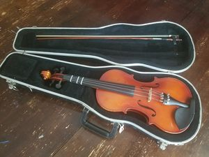 Full size Violin, bow, case and resin. for Sale in Fairfield, CA