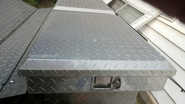 Tool box Short bed 72 in truck cover