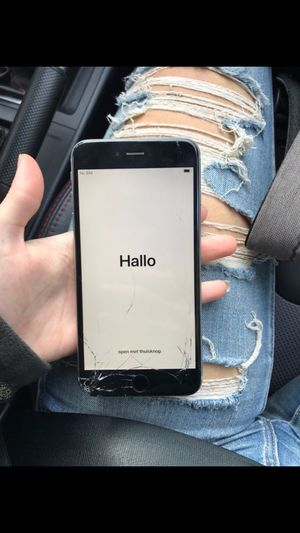 iPhone 6 Plus! unlocked 64gb cracked screen for Sale in Redmond, WA