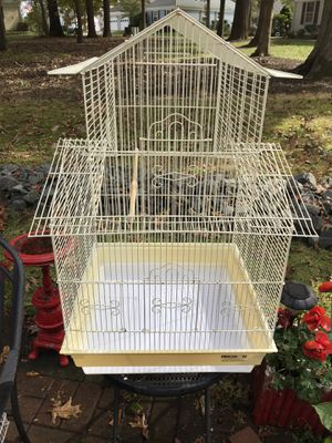 Large parakeet/cockatiel cage for Sale in Monroe Township, NJ