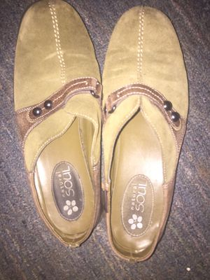 Women's slip on shoes size 9 for Sale in Mather, CA