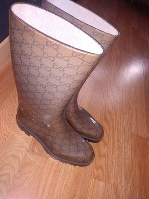 Gucci rain boots women's size 10 for Sale in Philadelphia, PA