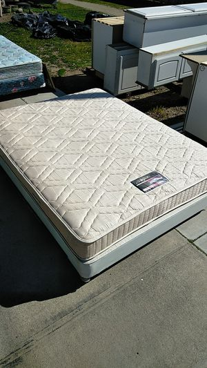 Queen bed for Sale in Madera, CA