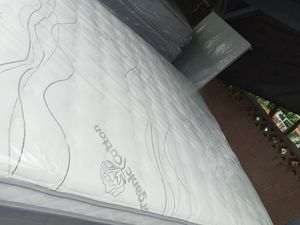 Queen size mattress set with spring box for Sale in Pico Rivera, CA