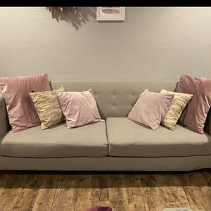 Macy's Couch Grey for Sale in Shoreline, WA