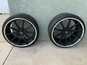 20 inch KOKO Geovanna Luxury Rims with good tires for Sale in Reedley, CA