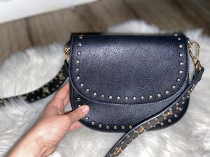 BLACK GOLD DETAILED PURSE for Sale in Rancho Cucamonga, CA