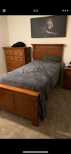 twin oak bedroom set for Sale in Monroe, WA