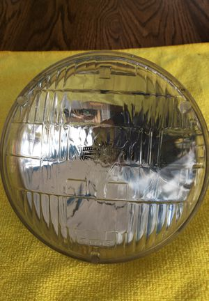 """GM T-3 Headlight. 68-71 5.5"""" for Sale in Federal Way, WA"""