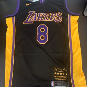 Kobe Bryant 8 Black 2017 Los Angeles Lakers Jersey for Sale in Beverly Hills, CA