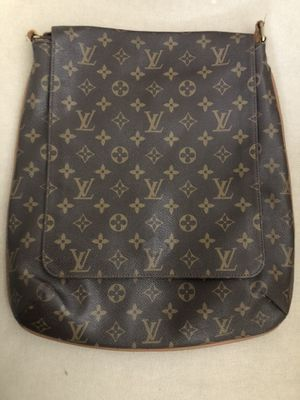Vintage LV Messenger Bag- Biggest size with lots of space! *leather strap damaged for Sale in Beverly Hills, CA