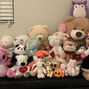 Stuffed Plushied Lot for Sale in Damascus, OR