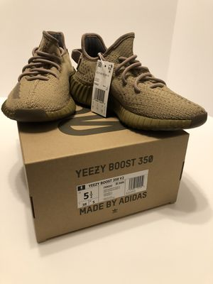 Adidas Yeezy Boost 350 V2 Earth Size 5.5 for Sale in Anaheim, CA
