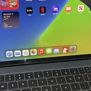 "iPad Pro 2020 - 11"" 256GB in Space Gray + Magic Keyboard + Apple Pencil for Sale in Stockton, CA"