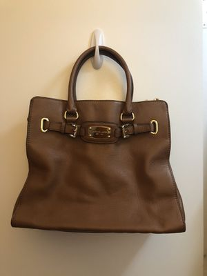 Large Michael Kors Leather Crossbody for Sale in Arlington, VA