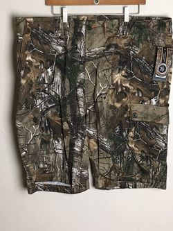 NEW Men XLarge REALTREE Camouflage Camo Cargo Shorts MCSM 1073 Size 44 New with tags for Sale in French Creek,  WV