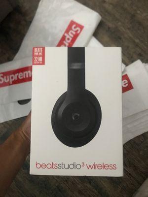 Beats studio 3 wireless for Sale in Bakersfield, CA