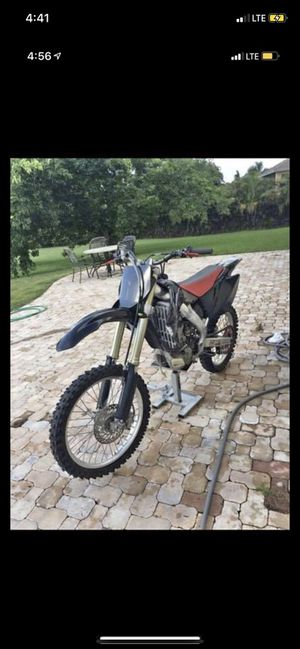 2006 CRF250R - Tittle for Sale in Sunrise, FL