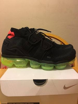 Brand new Nike air vapor max flyknit utility premium running shoes black volt men's size 9.5 for Sale in La Mesa, CA