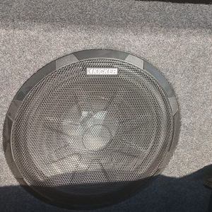 KICKER BASSTATION 11PT250 POWERED 10'' SUB for Sale in Abilene, TX