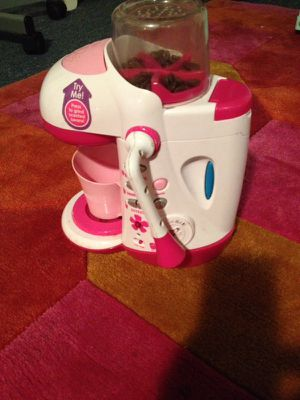 Toy coffee maker and mixer need batteries for Sale in Alexandria, VA