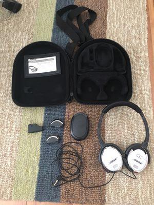 Bose noise canceling headphones QuietComfort 3 for Sale in Seffner, FL