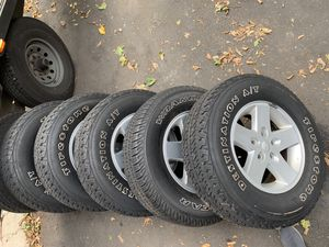 Jeep wheels and rims 17 for Sale in Englewood, NJ