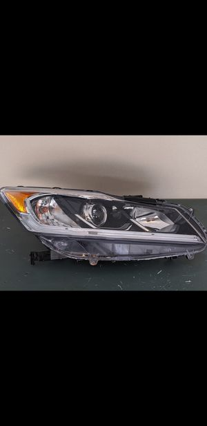 Honda Accord headlight for Sale in Orland Park, IL