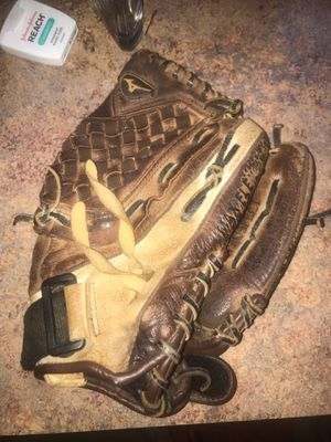 Mizuno baseball glove for Sale in Virginia Beach, VA