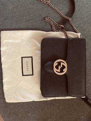 Gucci Cross Over bag **AUTHENTIC** for Sale in Modesto, CA