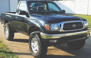 NO SMOKE NO PETS TOYOTA TACOMA 2001 for Sale in Macon, GA
