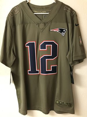 Patriots Brady solute to soldiers STICHED jersey size XL for Sale in Phoenix, AZ