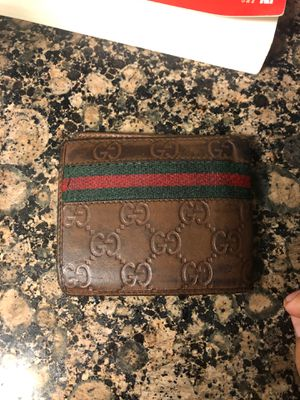 Supreme Gucci wallet,,, real authentication # inside wallet for Sale in Fullerton, CA