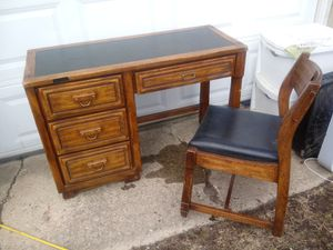 Nice desk stand with matching chair for Sale in Columbus, OH