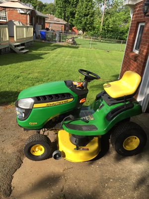 Brand new John Deere D105 riding mower for Sale in Lexington, KY