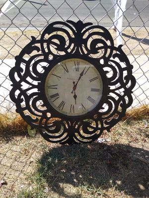 Antique clock very nice for Sale in Fresno, CA