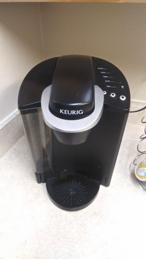 Keurig K Cup coffee maker with k cup stand for Sale in Puyallup, WA