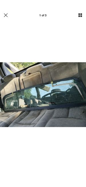02-06 chevy avalanche rear window for Sale in Hamilton Township, NJ