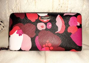 Kate Spade Leather full size zip around Wallet for Sale in Portland, OR