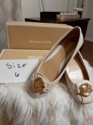 MICHAEL KORS SIZE 6 for Sale in Highland, CA