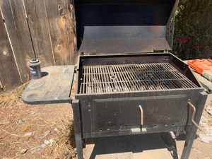 Brinkman charcoal BBQ grill for Sale in Fresno, CA