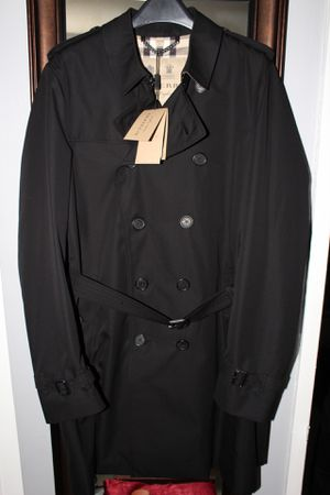 Burberry Heritage Trench - Long Length - Sandringham - Size US 44 for Sale in Bronx, NY