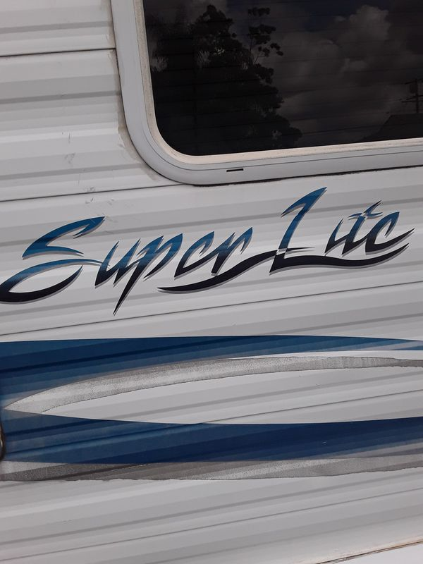 05 super lite 19 foot toy Hauler very clean fully equipped
