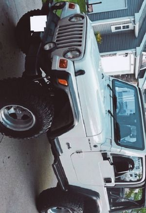 Clean Automatic😍😍2000 Jeep Wrangler😜😜😜 for Sale in Los Angeles, CA